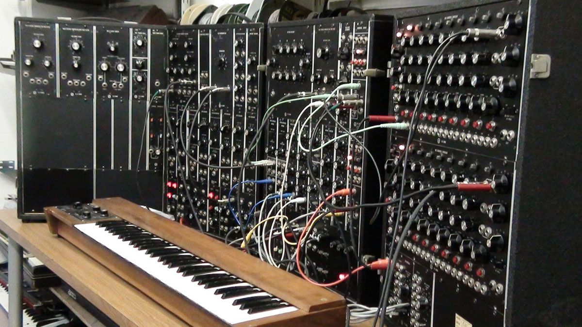 5 best synthesizers guide to your first hardware synth 2019. Black Bedroom Furniture Sets. Home Design Ideas