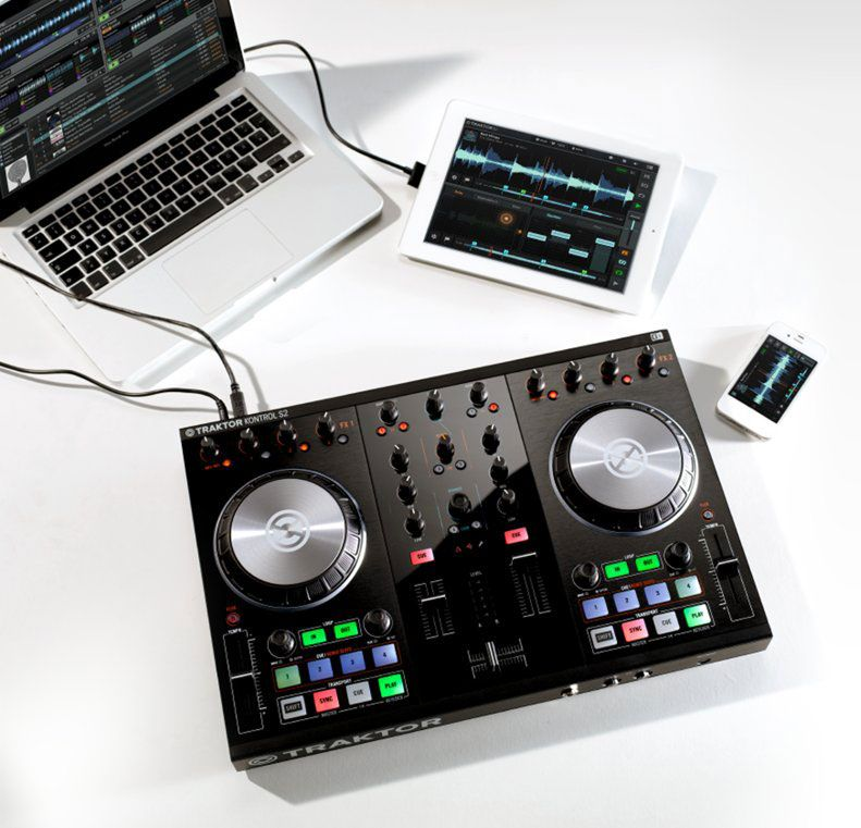 TRAKTOR with DJ controller