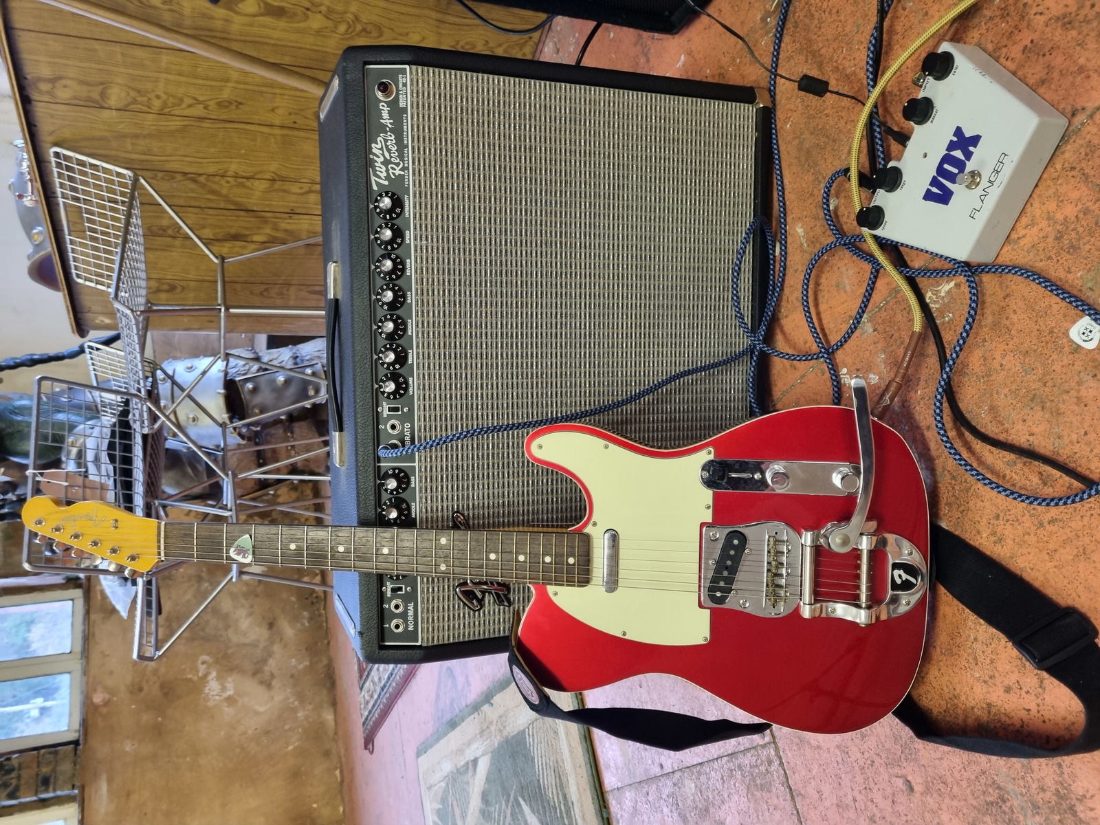 Photo of Fender Twin Reverb Blackface and more gear in a guitar and live
