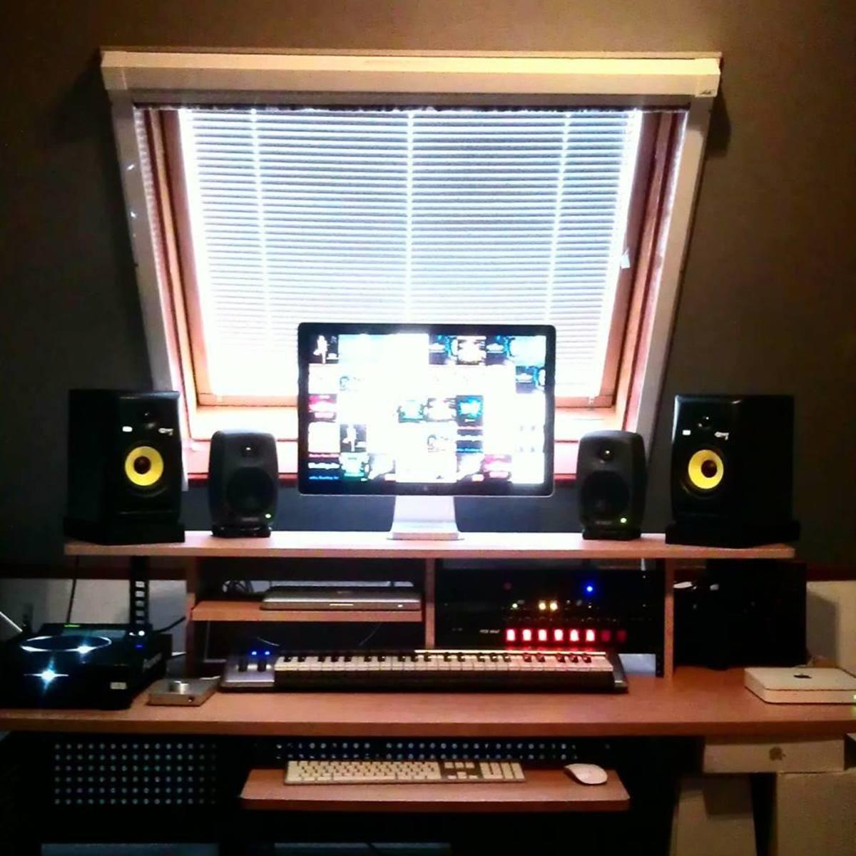 jeroenmeijer's studio photo containing M-Audio Keystation 49es MIDI Controller