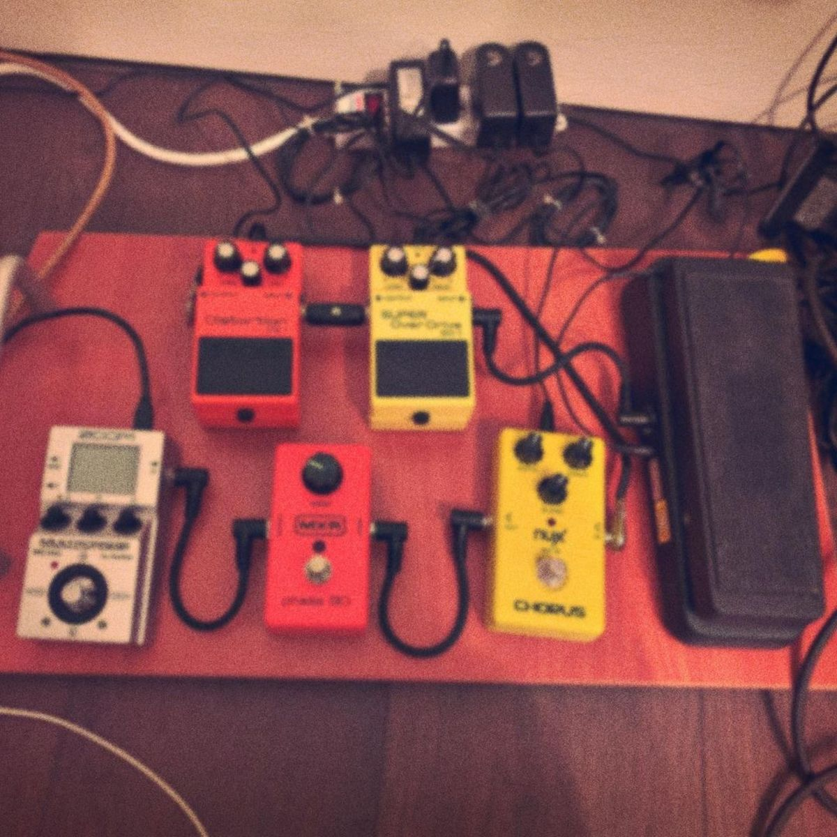 Photo of Zoom MS-50G Multistomp and more gear in a pedalboard
