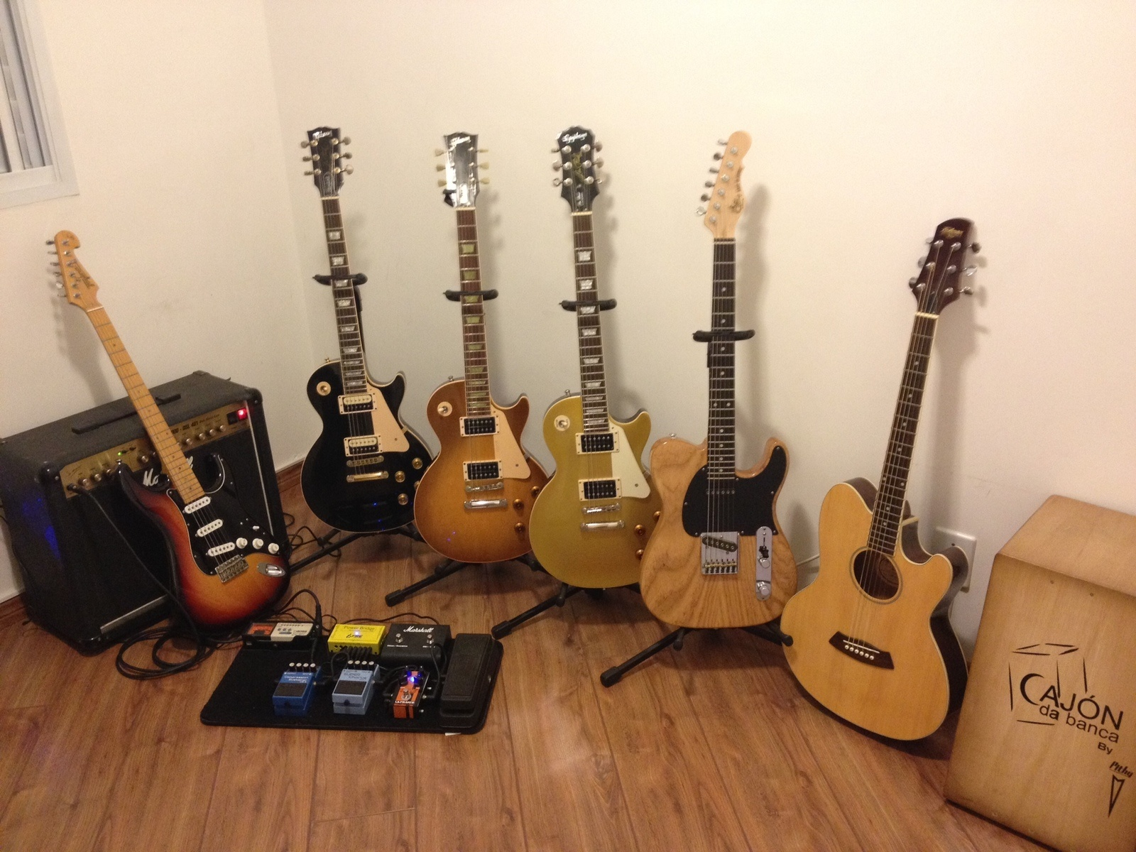 Photo of Gibson Les Paul Standard Electric Guitar and more gear in a pedalboard, guitar, and amplifier