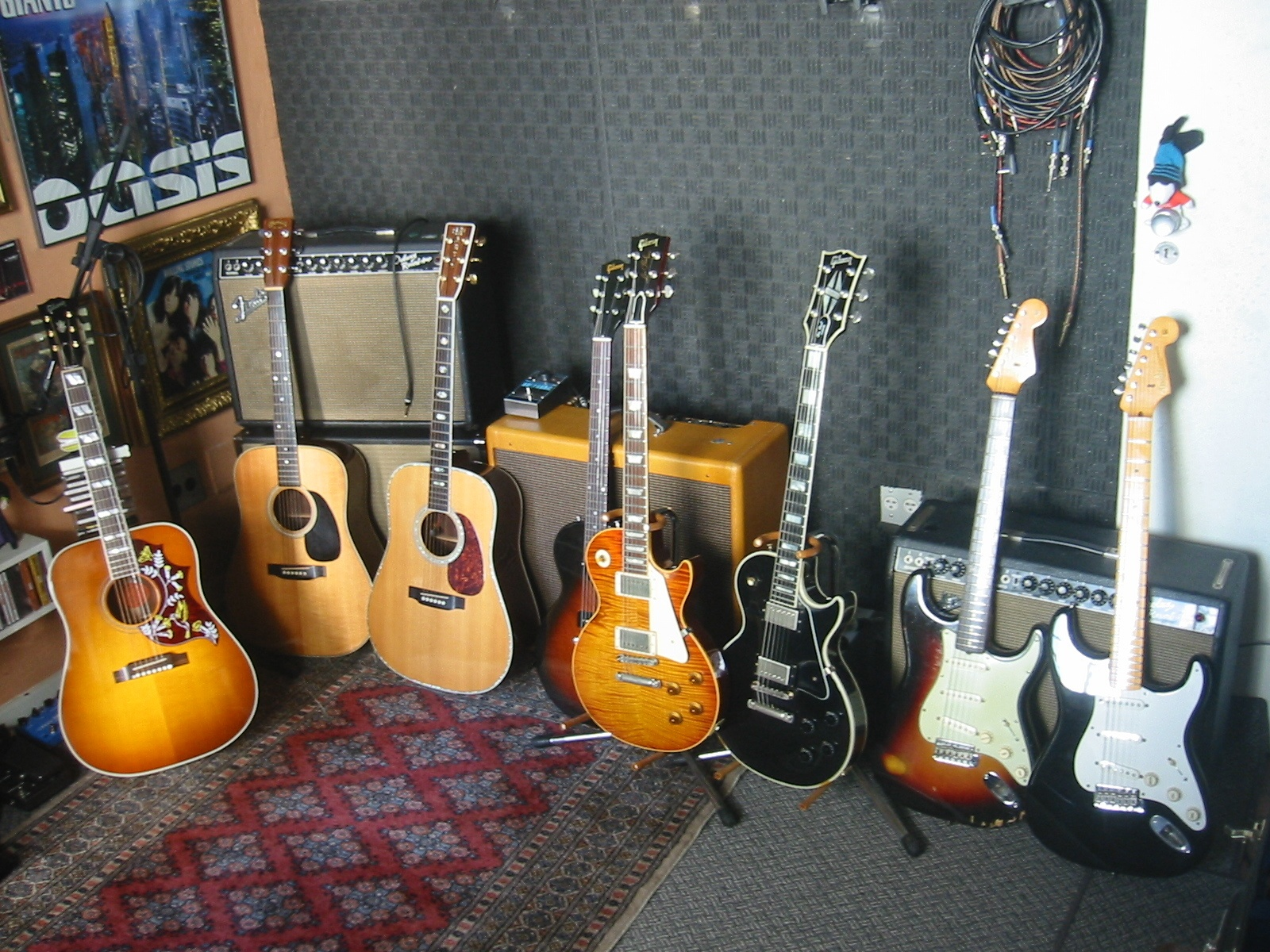 Photo of Gibson Hummingbird and more gear