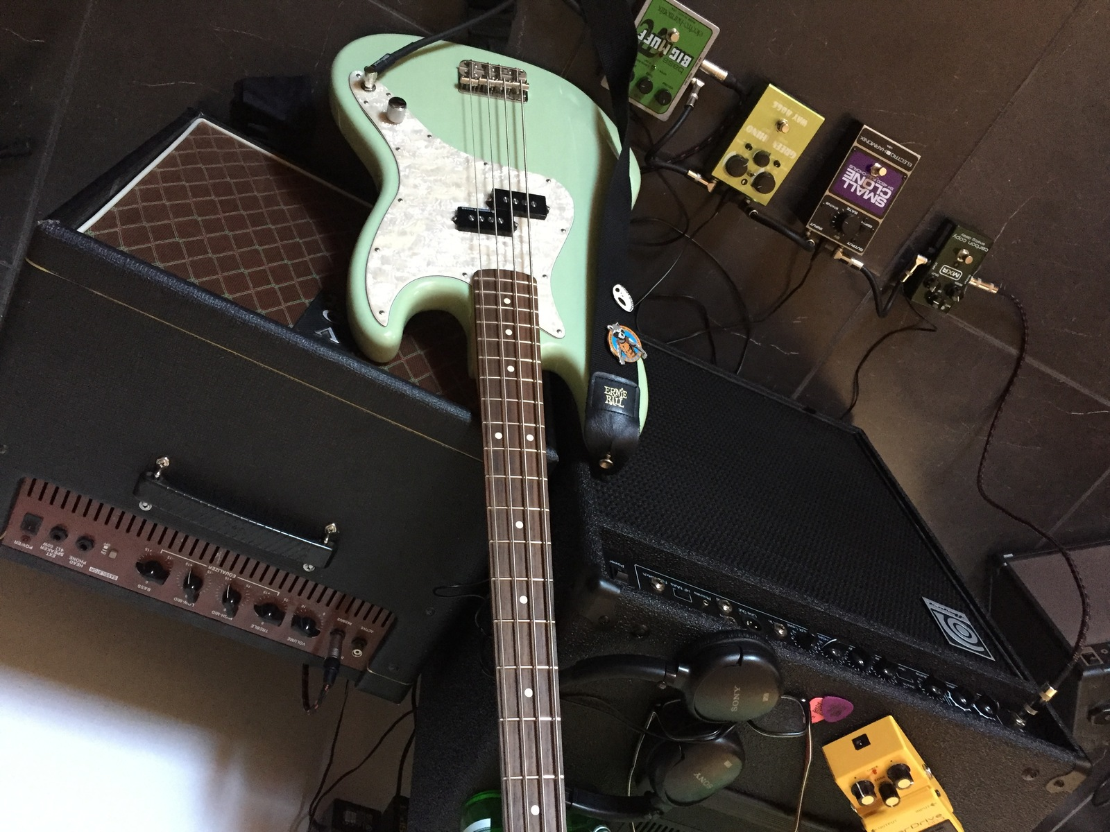 Photo of Electro-Harmonix EH-4600 Small Clone and more gear
