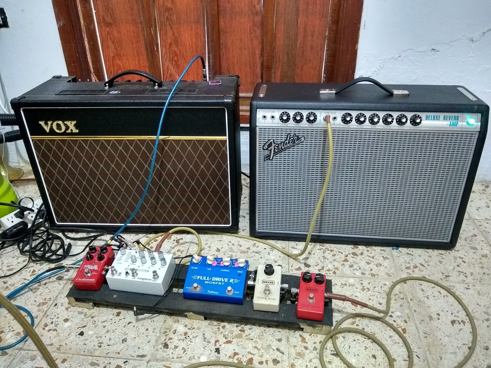 Photo of Fender '68 Custom Deluxe Reverb Guitar Amplifier and more gear