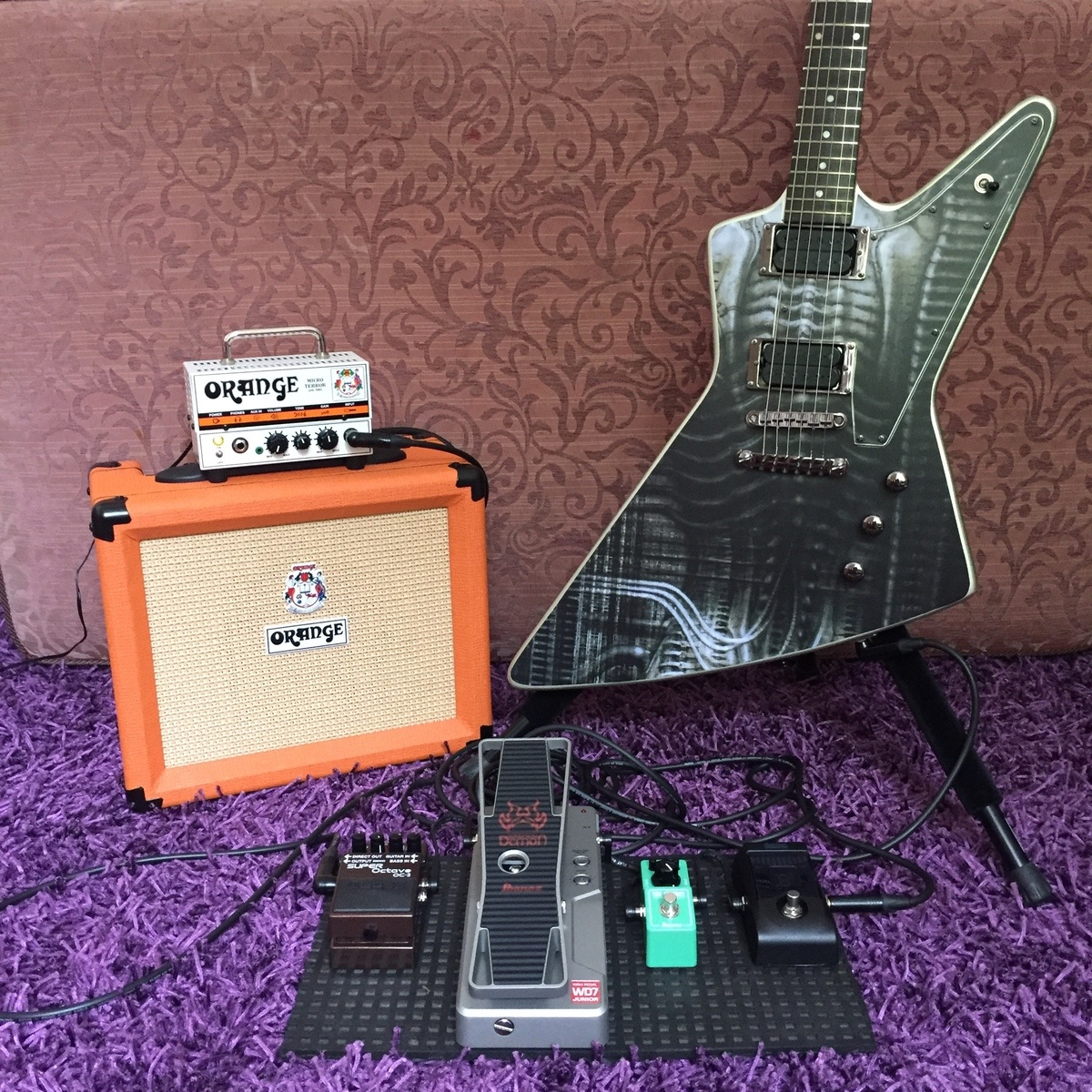 chromaticism's music gear photo containing Boss OC-3 Super Octave, Korg Pitchblack Chromatic Pedal Tuner, Orange Micro Terror, Ibanez Tube Screamer Mini, Orange Amplifiers Crush 20RT, Ibanez Weeping Demon Junior WD7 Wah Pedal, and Epiphonez Hexplorer Giger Tribute