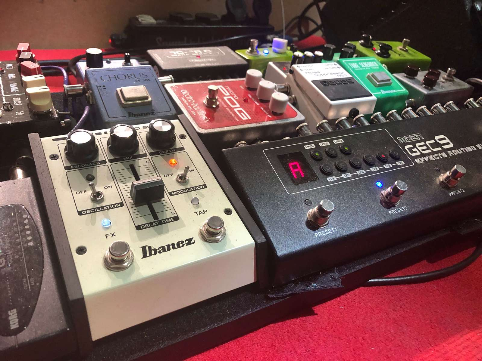 Large background pedals7