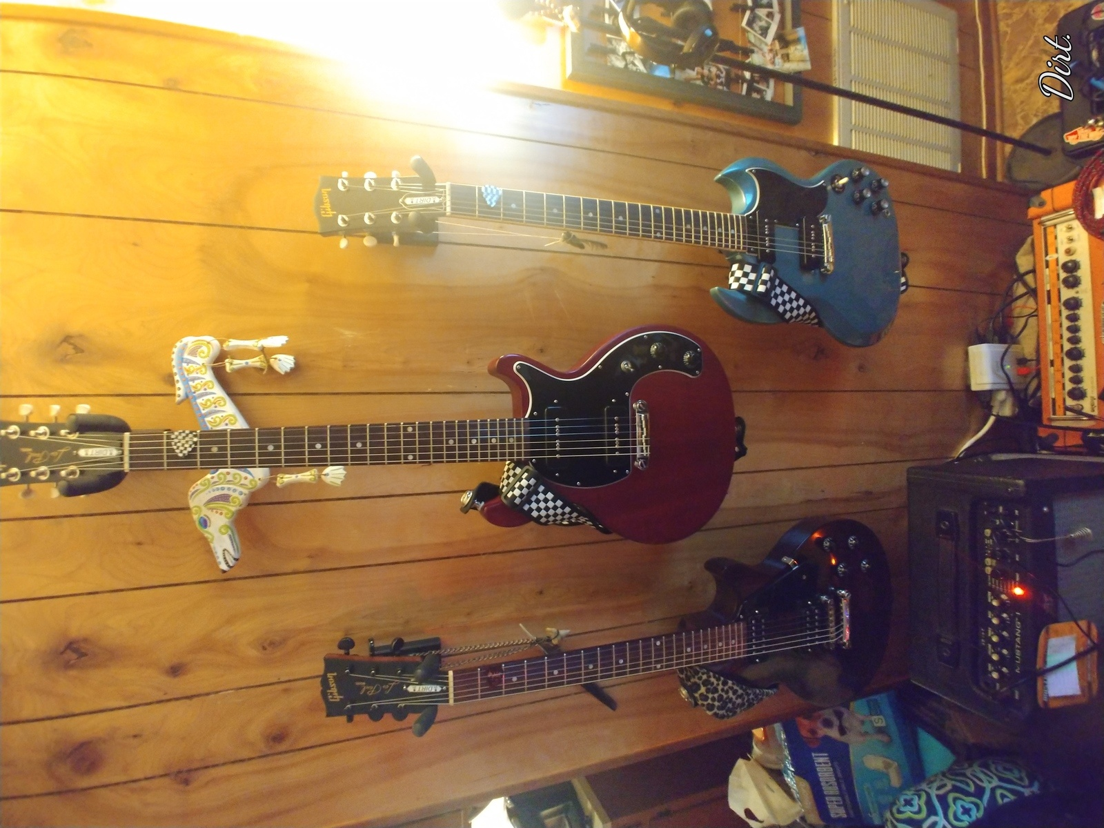 Photo of Gibson Les Paul Special Double-Cut Electric Guitar and more gear