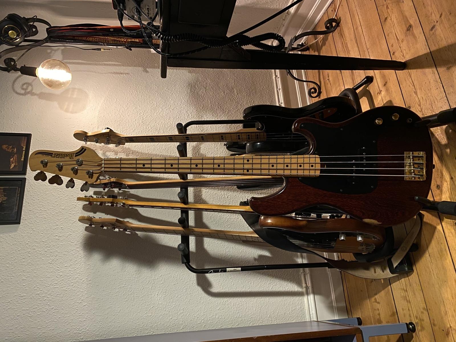Photo of Ibanez Blazer Bass