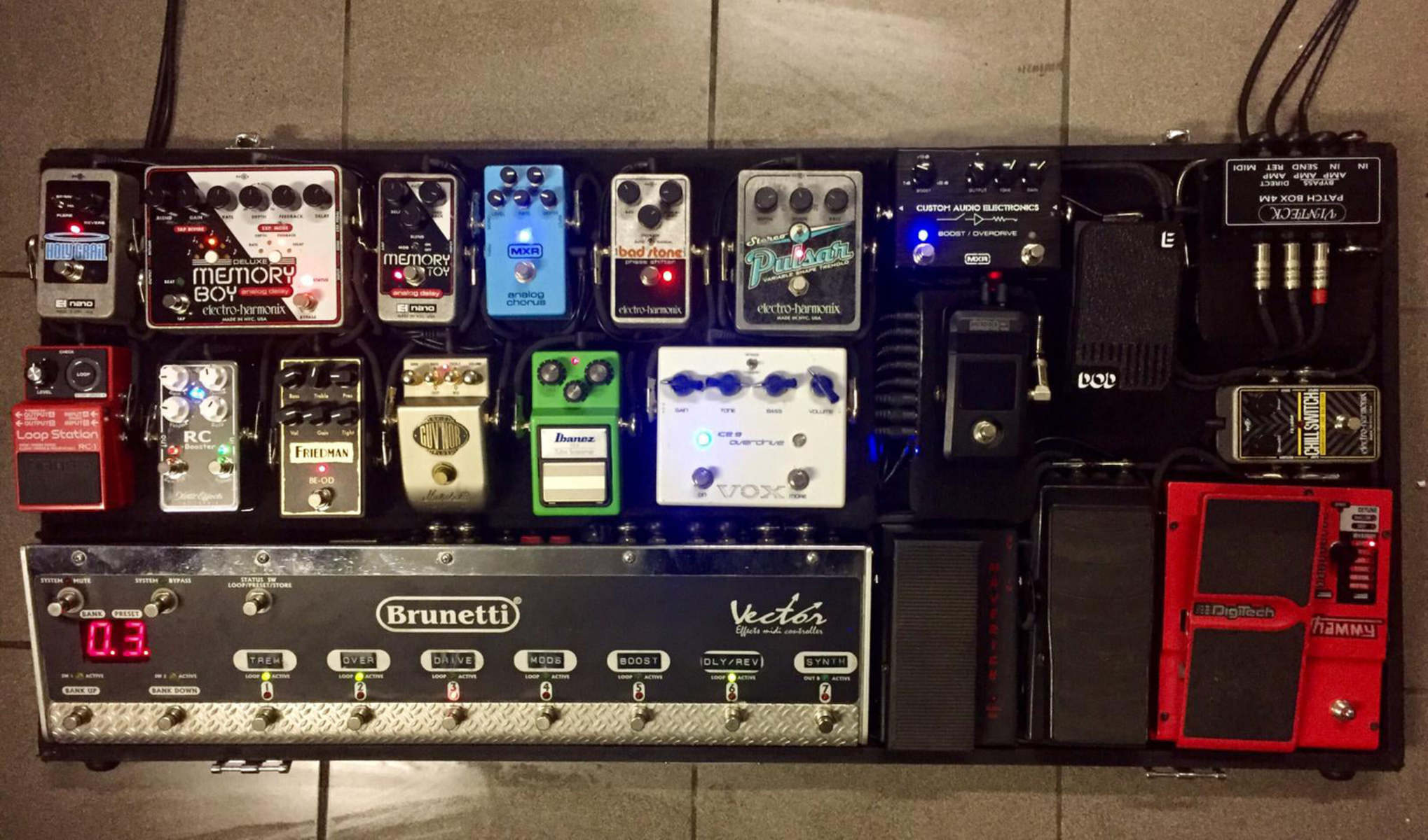Photo of Electro-Harmonix Holy Grail Nano and more gear