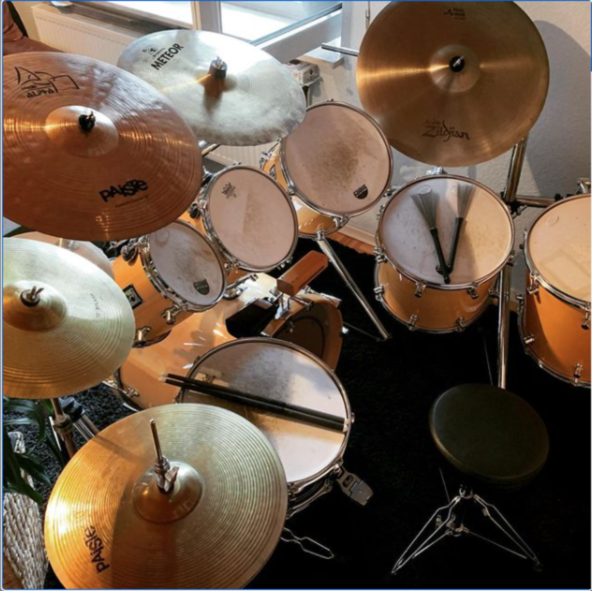 Photo of Pearl 14x5 Chad Smith Signature Snare Drum and more gear