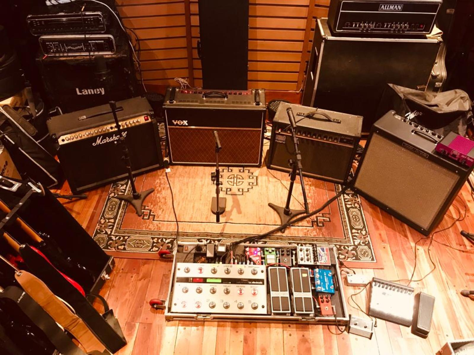 Photo of Fulltone Fulldrive 2 and more gear in a pedalboard and studio
