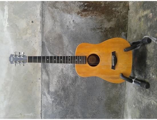 Vintage Baby Taylor Guitar, Ca