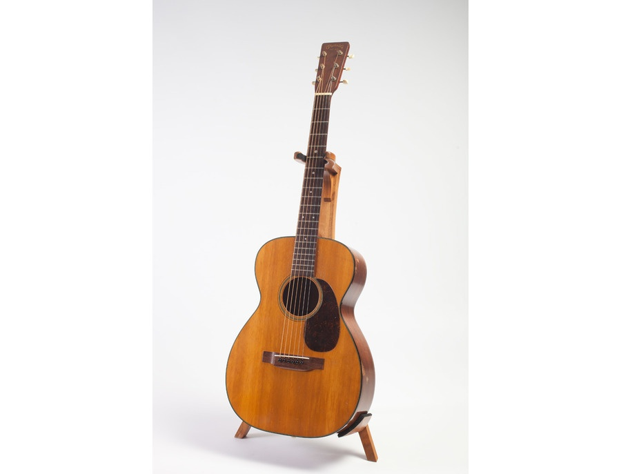 Martin 0 18 acoustic guitar xl