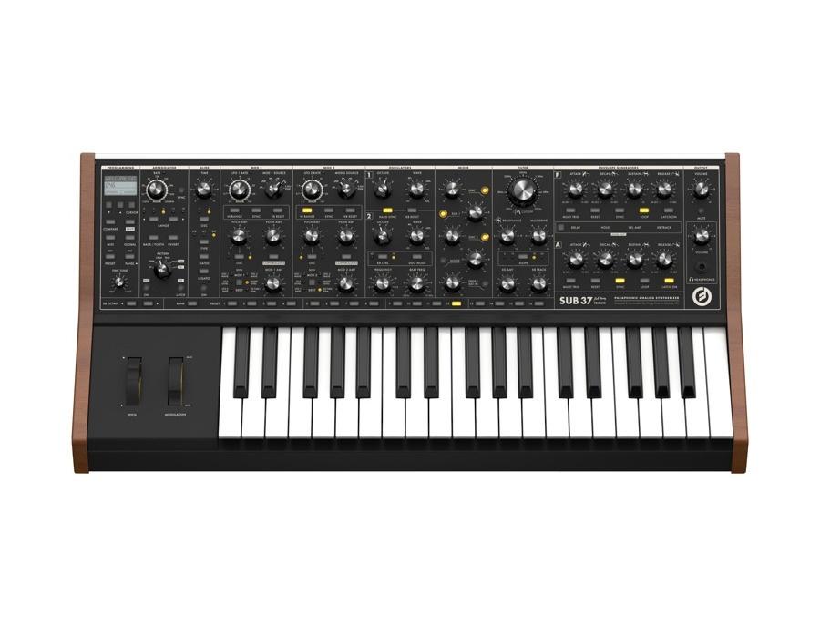 Moog sub 37 paraphonic analog synthesizer xl