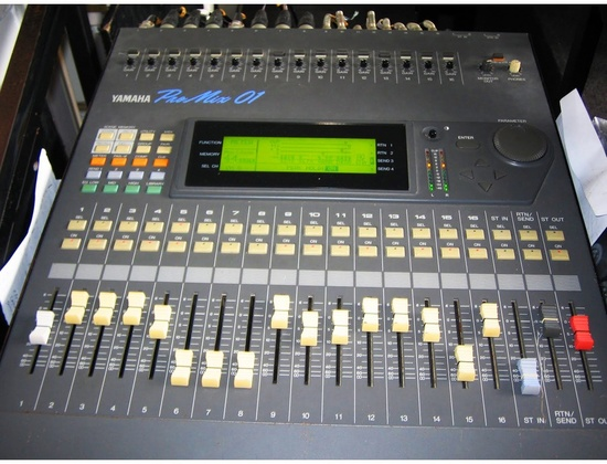 Yamaha Pro Mix 01