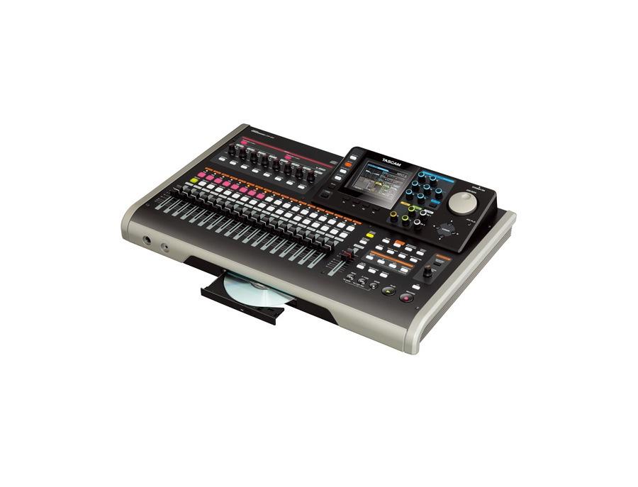TASCAM DIGITAL PORTASTUDIO DP-24