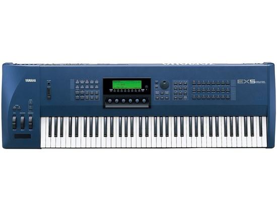 Yamaha EX5 Synthesizer Workstation