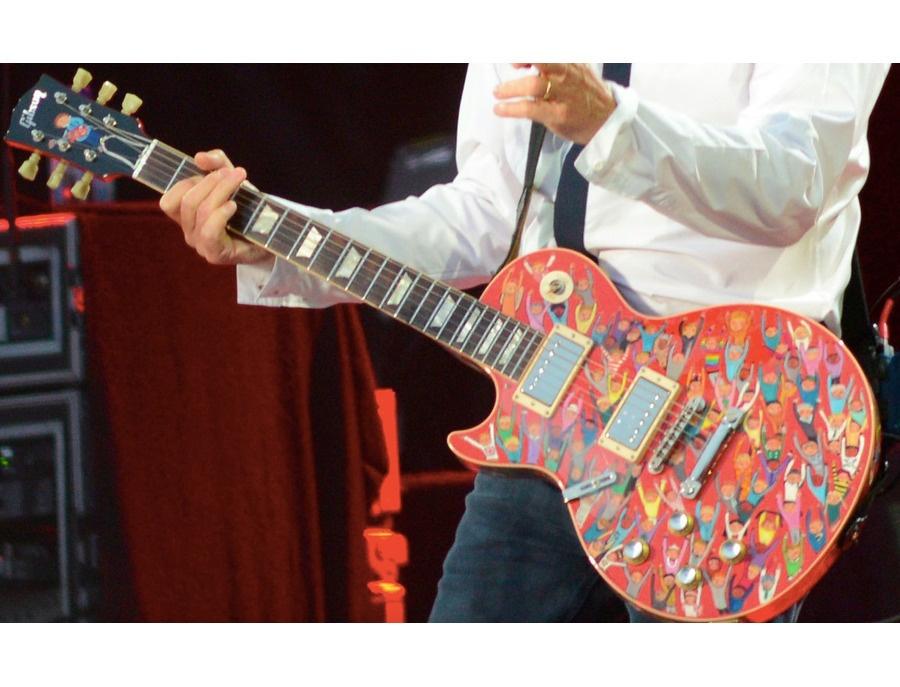Paul Mccartney S Custom Painted Gibson Les Paul Reviews