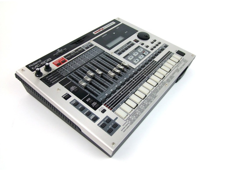 Roland MC-808 Groovebox
