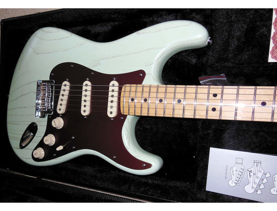 Fender FSR American Rustic Ash Strat Sea Foam Green