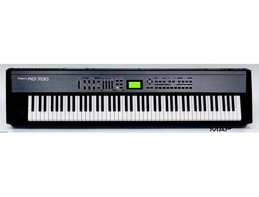 Roland RD-700