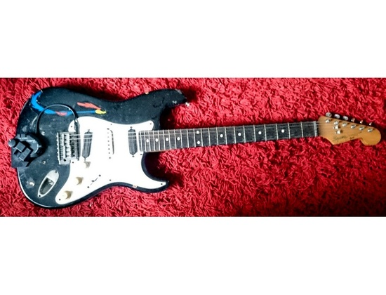 Fender Squier Stratocaster Custom