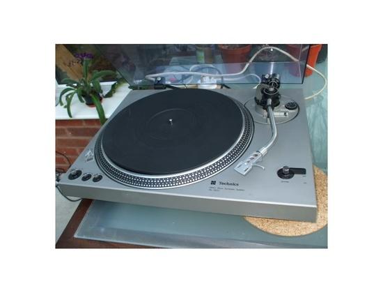Technics SL-1800 Turntable