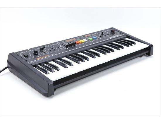 Roland Saturn 09 Synthesizer