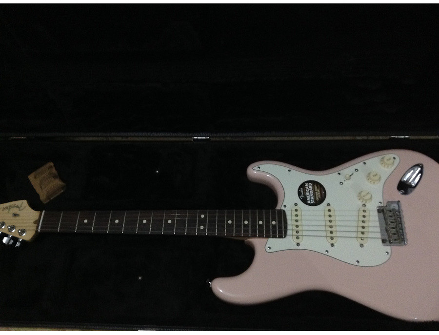 FSR American Standard Stratocaster® - Shell Pink