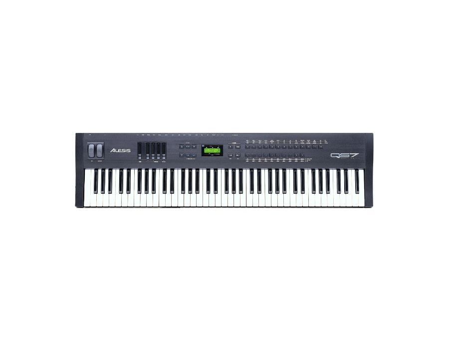 Alesis QS7 Keyboard