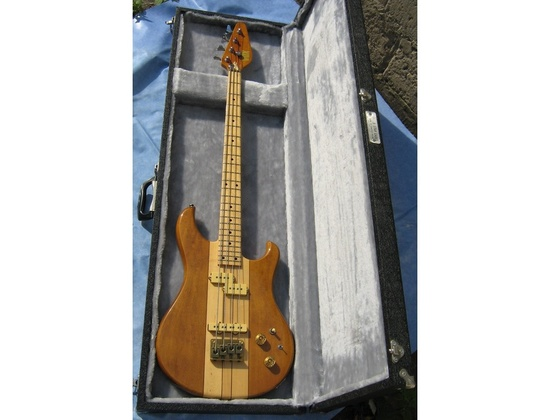 VOX Custom J/P Bass Guitatr