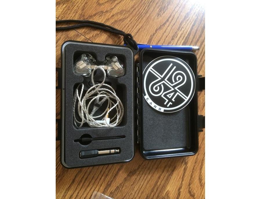 1964-Qi In ear monitors