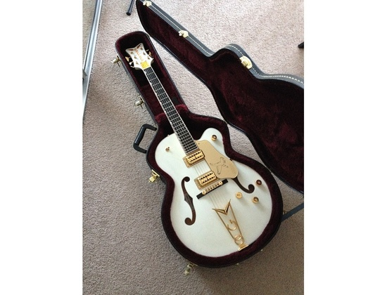 Gretsch G6139CB White Falcon