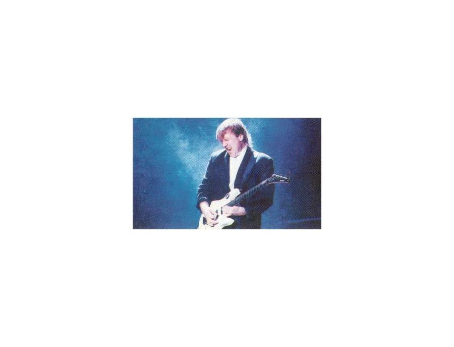 """Signature Guitar - """"Great White"""""""