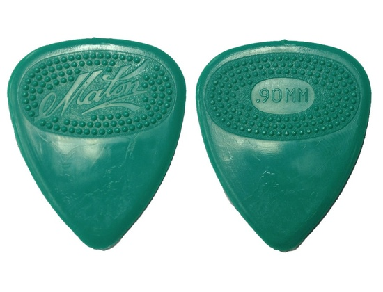 Maton 0.90mm Guitar Pick