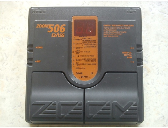 Zoom 506 Bass Multi-effect pedal