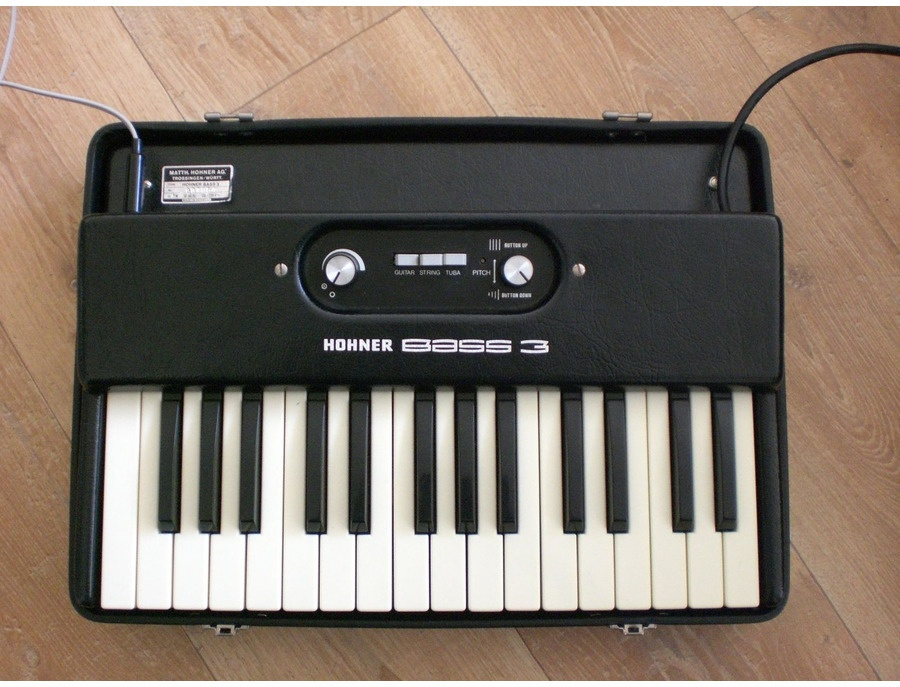 Hohner Bass 3 Synthesizer