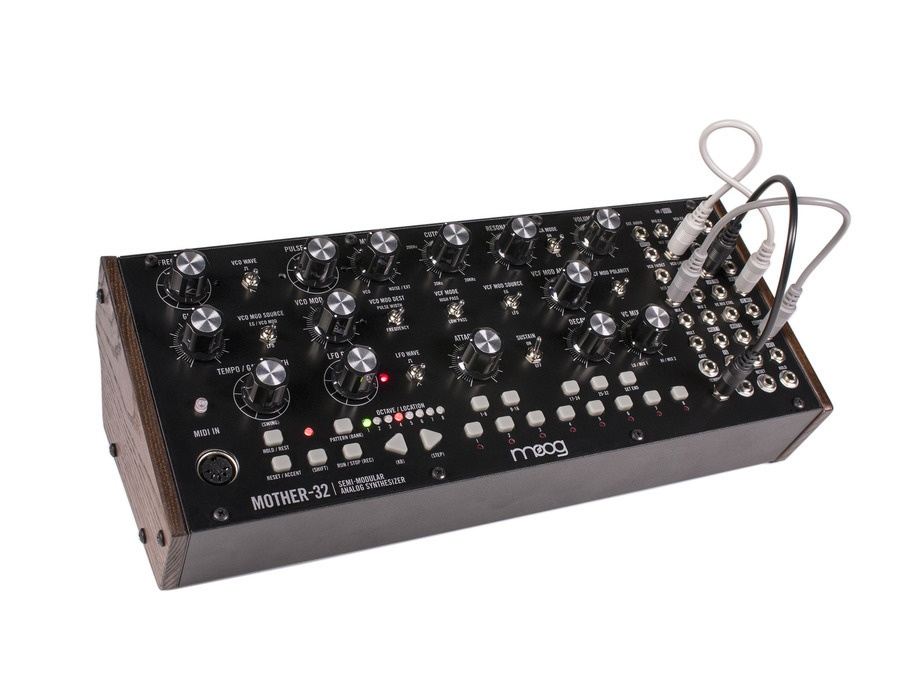 Moog mother 32 xl