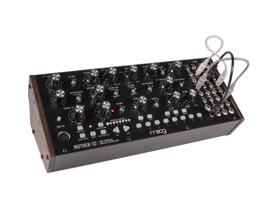 Moog mother 32 xl