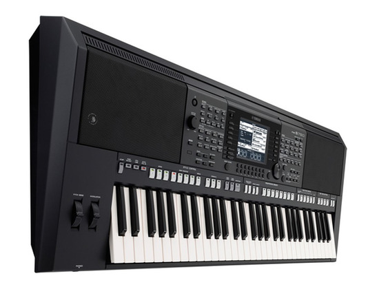 Yamaha PSR S-750