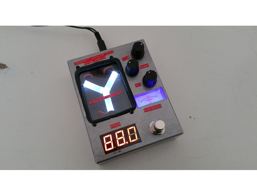 4114 Custom Effects - Flux Capacitor Delay Pedal