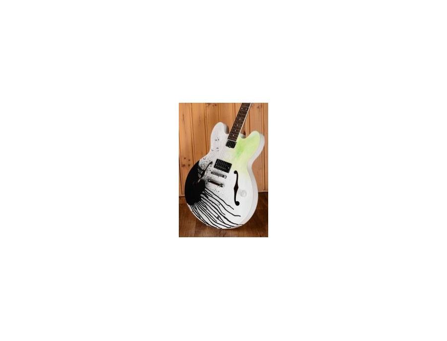Gibson ES-333 Tom DeLonge Signature Special Edition