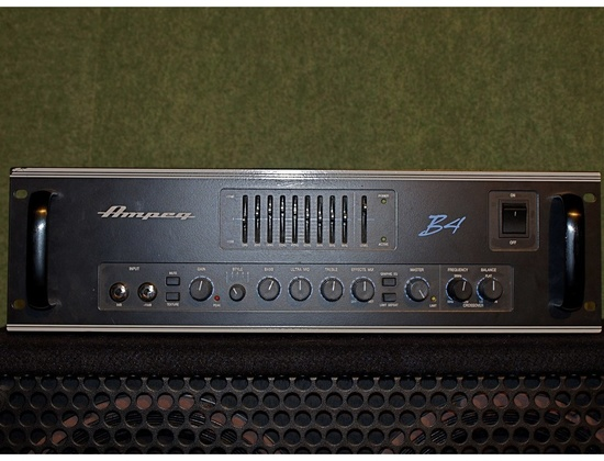 Ampeg B4 Bass Amplifier