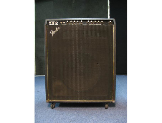 Fender Bass Studio 200 Watt