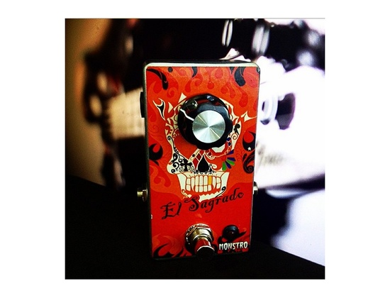 El Sagrado Bass Booster - Monstro Effects