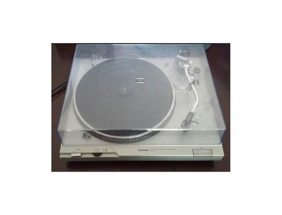 Technics SL-D2 Turntable