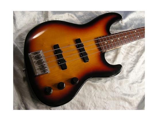 Fender Jazz Bass Deluxe Plus