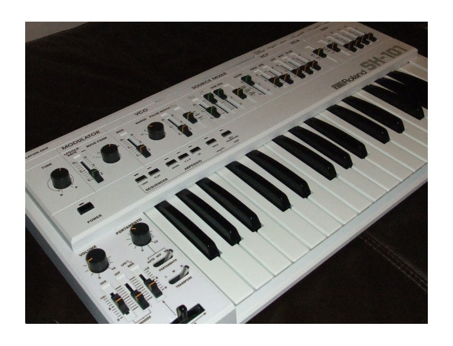Roland SH101 White