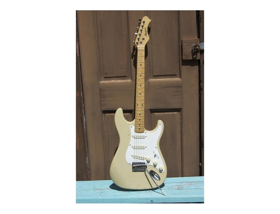 Harmony H80T Stratocaster
